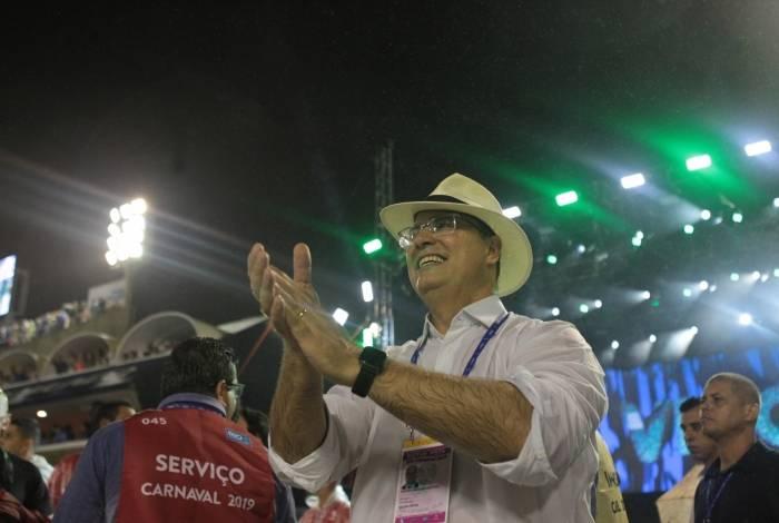 Wilson Witzel acompanha desfile do Império Serrano da pista