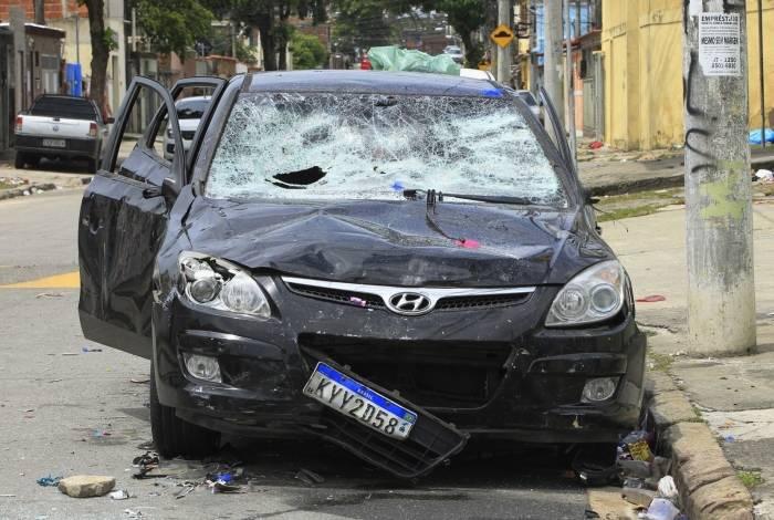 Marcelo Raimundo avançou carro sobre multidão na Rua Veríssimo Machado, durante festa em Rocha Miranda