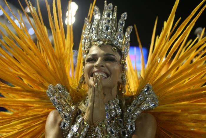 Resultado de imagem para bom sucesso grazi massafera carnaval