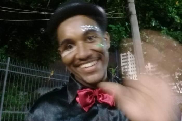 Ruan Paiva, baleado na cabeça comemora desfile da Grande Rio: 'Quero seguir com alegria'