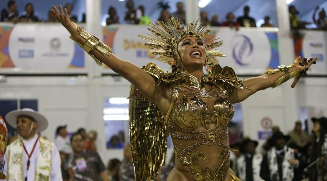 Gracyanne Barbosa, rainha de bateria da Ilha do Governador