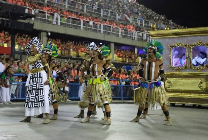 Carnaval 2019 - Desfile da Escola de Samba do Grupo Especial, G.R.E.S. Estação Primeira de Mangueira, no Sambódromo da Marquês de Sapucaí, no centro da cidade do Rio de Janeiro nesta terça-feira (05). Foto:Daniel Castelo Branco/Agência O Dia.