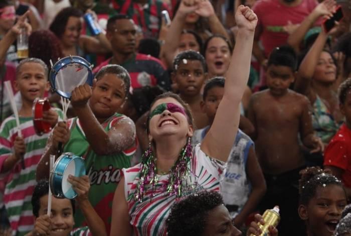 Quadra da Mangueira, durante a apuração do resultado do Carnval 2019. Foto: Alexandre Brum/Agência O Dia