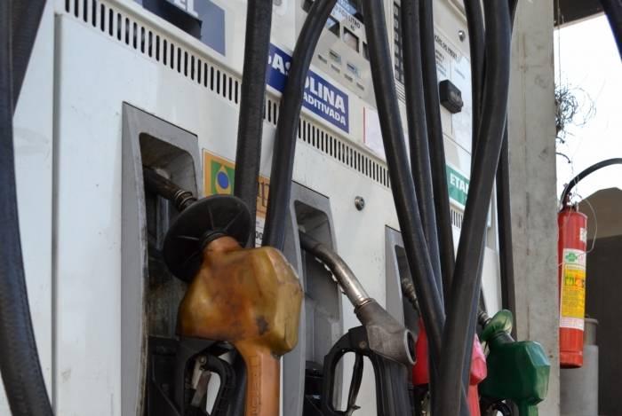 Preço da gasolina teve ligeira queda