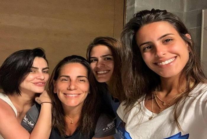 Glória Pires e as filhas