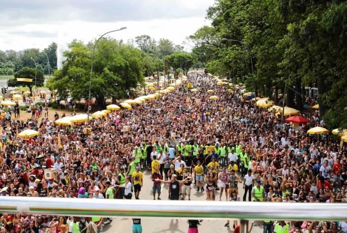 Blocos levaram milhões de foliões às ruas do Rio