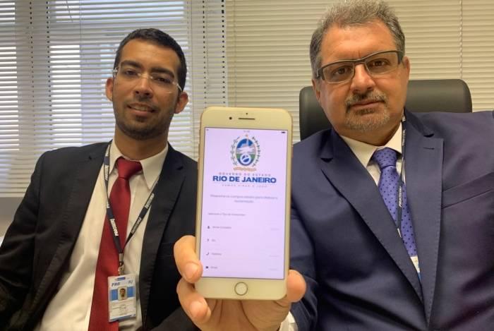 Rogério Cupti e Cássio Coelho apresentam o aplicativo do Procon-RJ