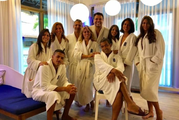 A família de Anitta no spa