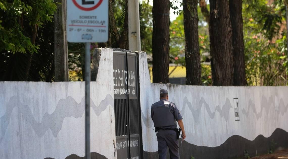 Movimentação policial em frente à Escola Estadual Raul Brasil, em Suzano, Grande São Paulo, onde ataque deixou 10 mortos e nove feridos, entre alunos, funcionários do colégio e os atiradores, que se suicidaram