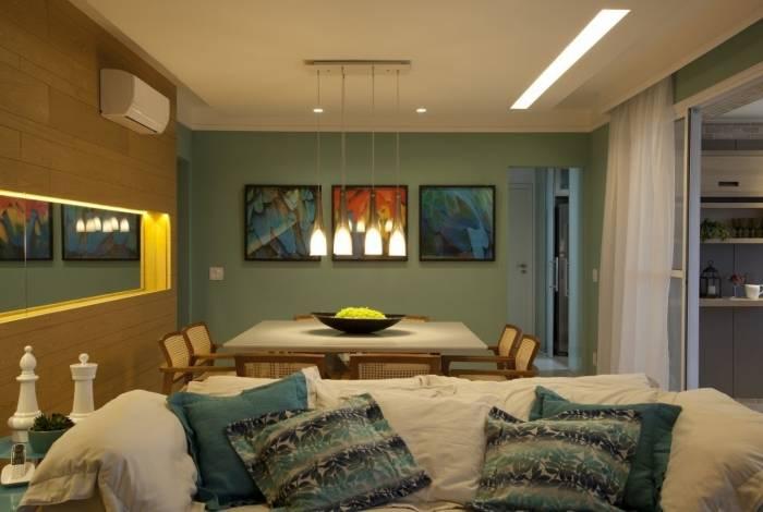Forro de gesso ganha destaque como item para decorar a casa com iluminação personalizada