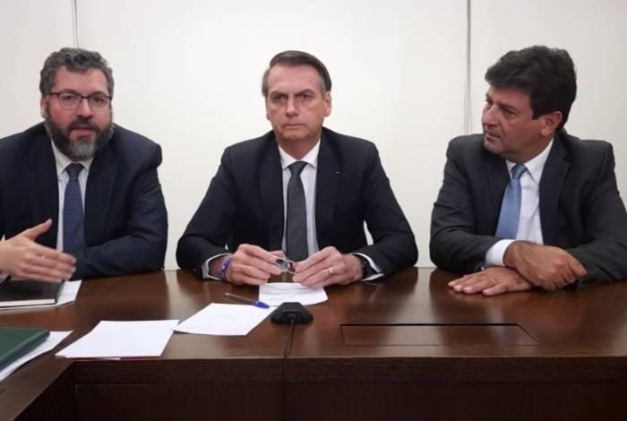 Bolsonaro fará uma live toda quinta-feira para comentar os assuntos que julgar mais importantes durante a semana