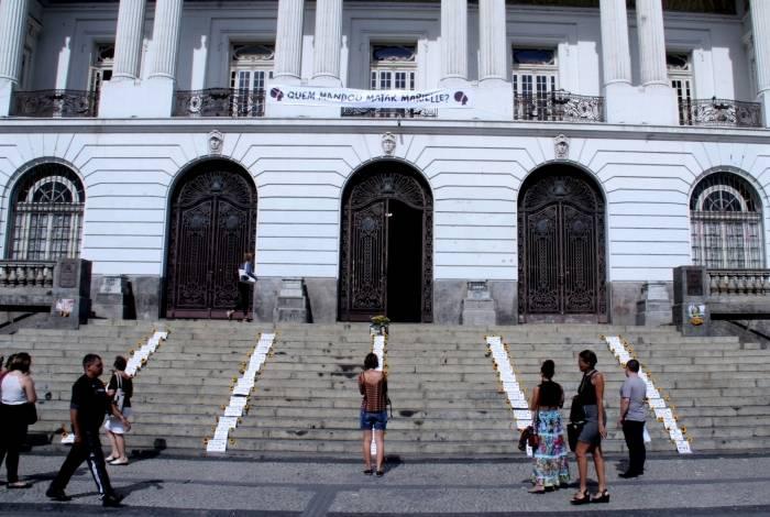 Ato público em frente à Câmara Municipal