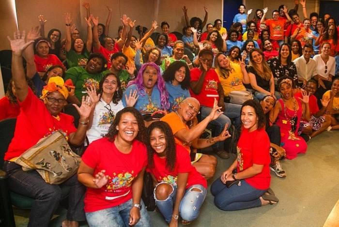 Integrantes do projeto `A Arte Gerando Renda´ iniciou oficinas na Rocinha