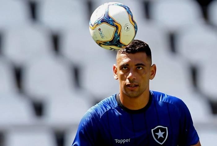 Diego Souza vem treinando forte: principal contratação do Alvinegro para  a sequência  da temporada