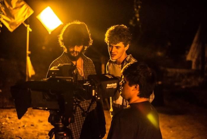 Eduardo Speroni nos bastidores do set do curta 'Teto parede'