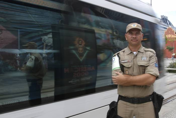 Guarda Municipal Maciel Martins achou bolsa com dinheiro e devolveu ao dono