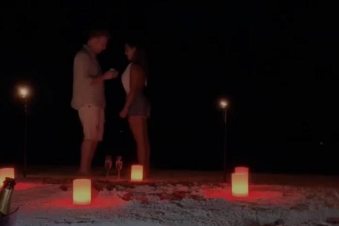 Teo Teló e Gabi Luthai ficaram noivos nas Ilhas Maldivas