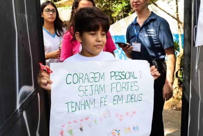 Após massacre, alunos da Escola Estadual Raul Brasil, retornaram à instituição