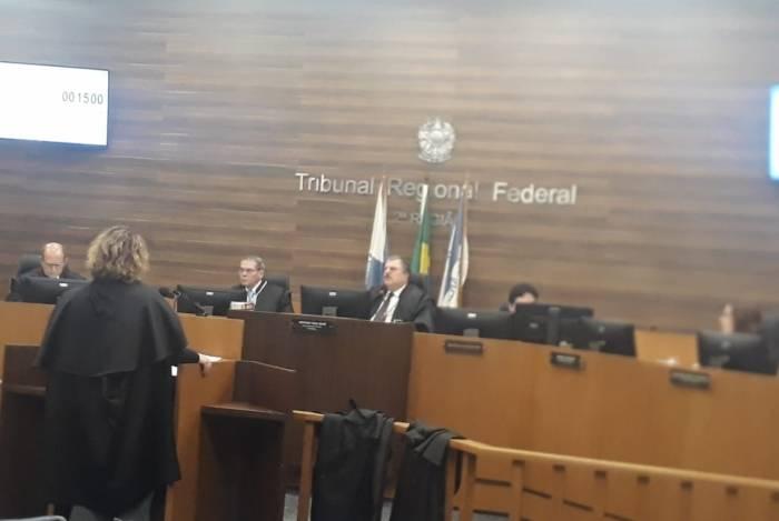 Julgamento de Pezão no TRF-2
