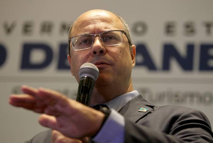 Governador Witzel assinou ontem decreto que reajusta o RAS