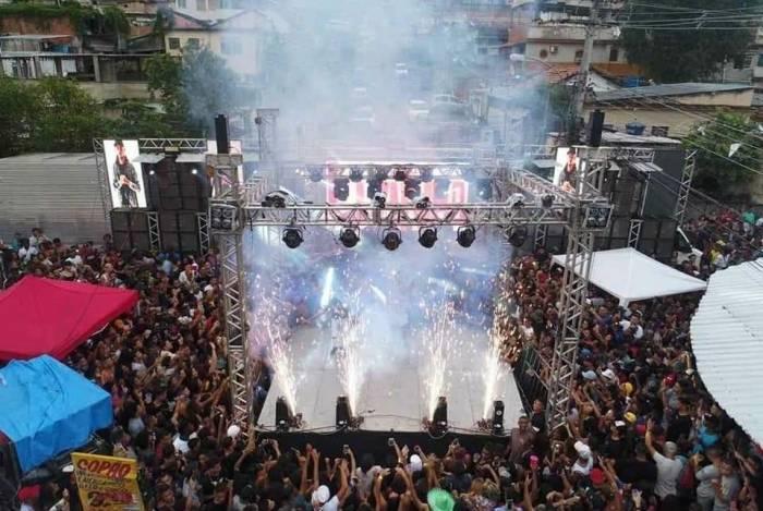 Baile da Gaiola já recebeu público de cerca de 30 mil pessoas na Penha