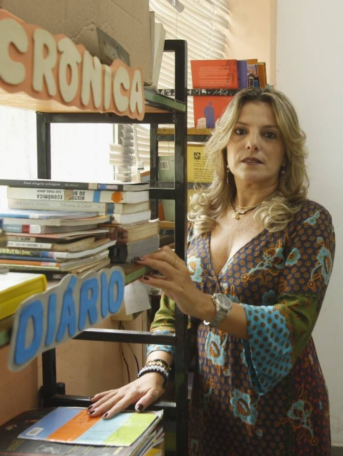 Na foto, a professora, Delnice Pereira