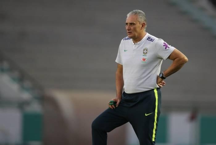 Tite criticou o gramado da Arena do Grêmio