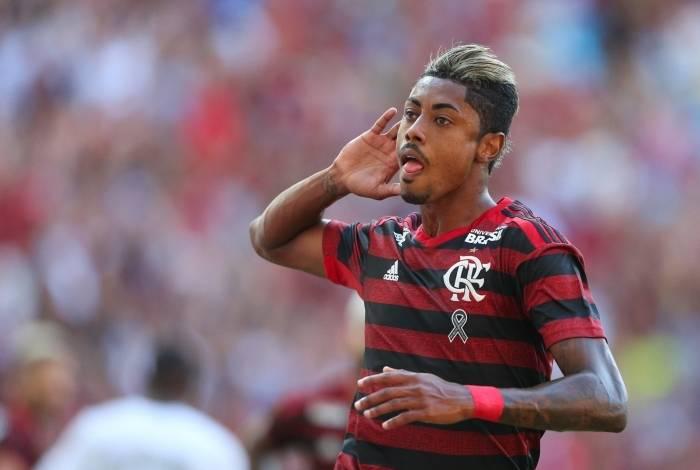 Bruno Henrique fez dois gols no clássico