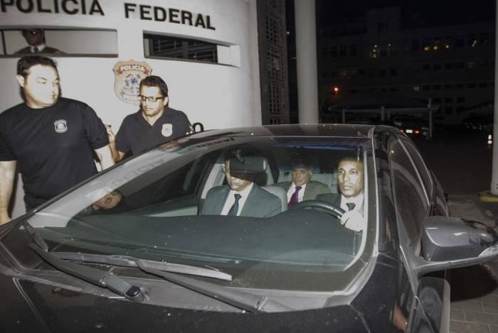 Saida do ex presidente da republica Temer da sede da policia federal no Rio de Janeiro. Foto Marcio Mercante / Agencia O Dia.