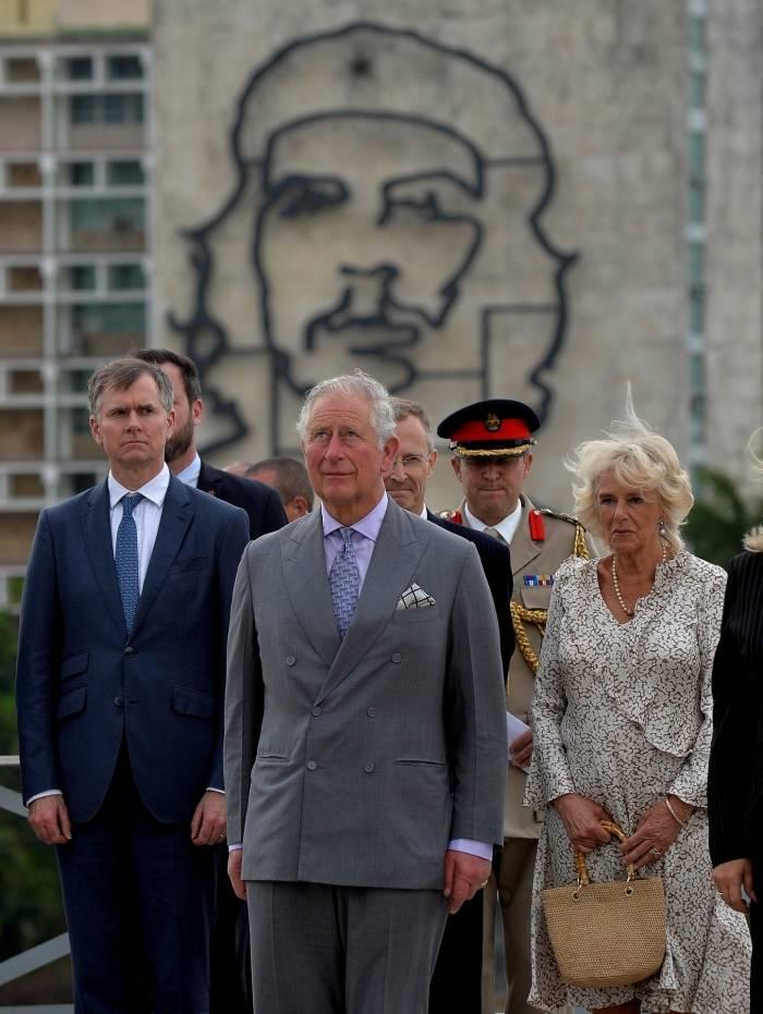O príncipe Charles e sua esposa Camilla participam da cerimônia de entrega da grinalda na Praça da Revolução em Havana, em 24 de março de 2019