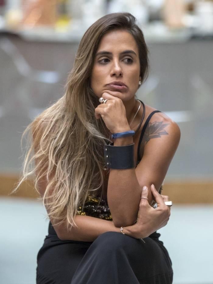 Carol Peixinho (E) Paula e Elana: as três vão disputar o paredão desta terça no 'BBB 19'