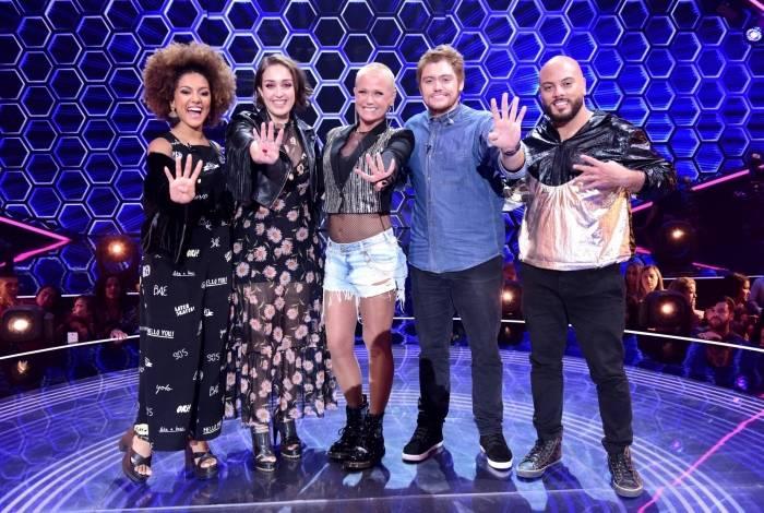 Acima, Xuxa e os finalistas do 'The Four Brasil'. À esq., a funkeira Ludmilla, que vai cantar 'Cheguei' e dividir o palco com os quatro participantes