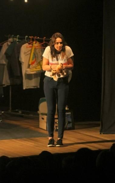 Fernanda Gentil estrei no teatro