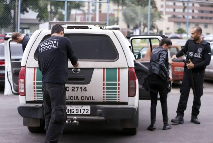 Polícia Civil do DF cumpre 28 mandados de prisão e 35 de busca e apreensão como parte da operação Luz da Infância 4