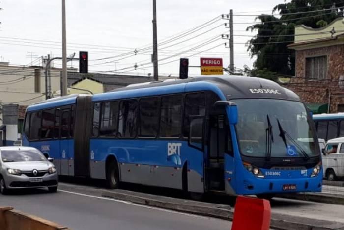 BRT vai usar ônibus comuns para aumentar frota no corredor Transoeste