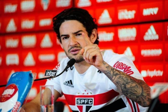 Pato vai estrear contra Botafogo