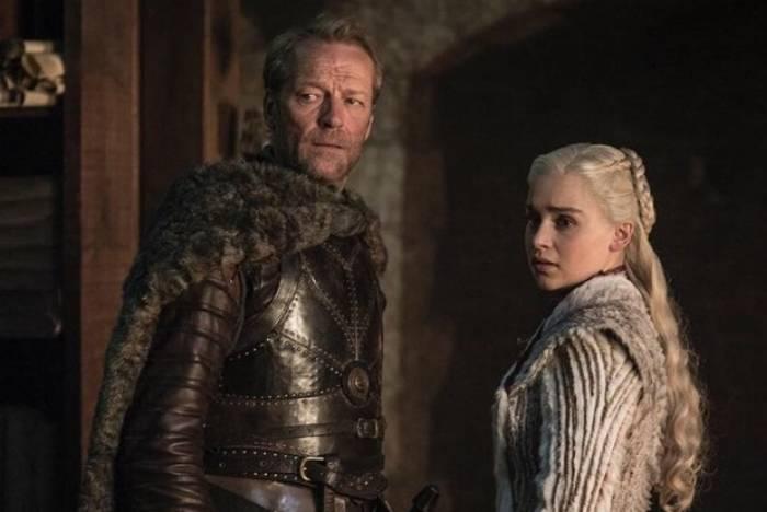 Iain Glen, Jorah Mormont, e Emilia Clarke, Daenerys, em novas fotos de 'Game of Thrones'