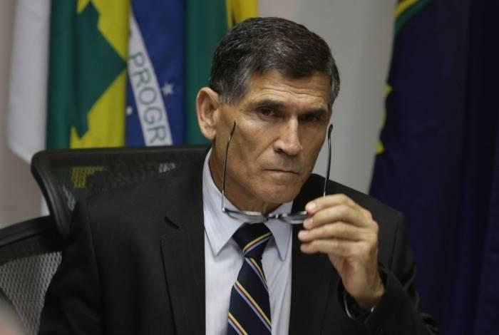 Carlos Alberto Santos Cruz foi demitido de Ministério após se desentender com Olavo de Carvalho