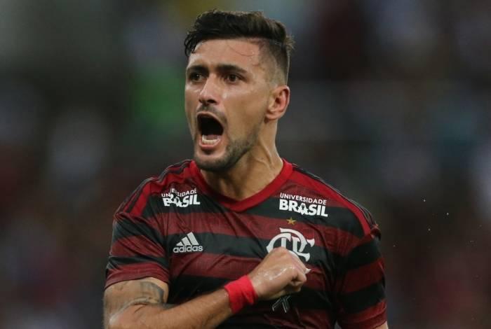 Arrascaeta se mantém como a contratação mais cara do Flamengo