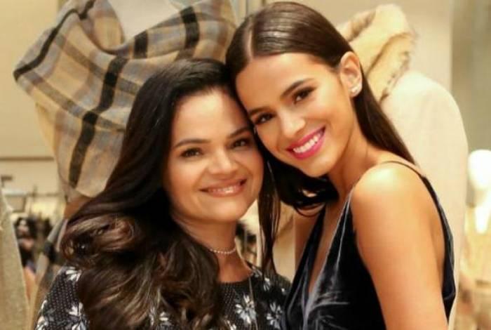 Bruna Marquezine e a mãe, Neide Maia