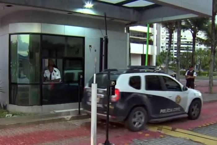 Um dos suspeitos foi preso na Barra da Tijuca