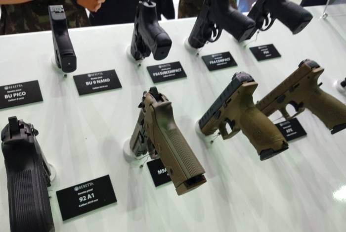 A pistola modelo APX Compact, calibre 9 milímetros, estava no estande da fabricante Beretta