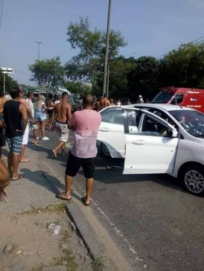 No veículo da família estavam, além da vítima, a esposa, o filho de 5 anos e um idoso, que ficou ferido