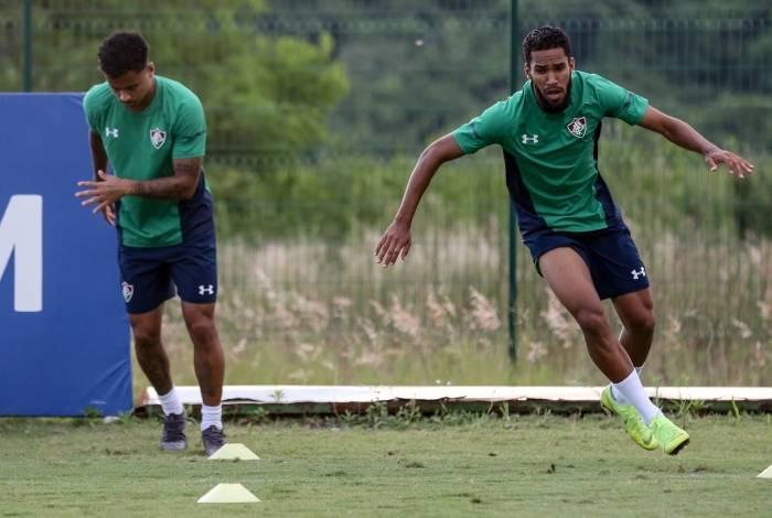 Everaldo participa do treino físico do Fluminense, no CT da Barra da Tijuca