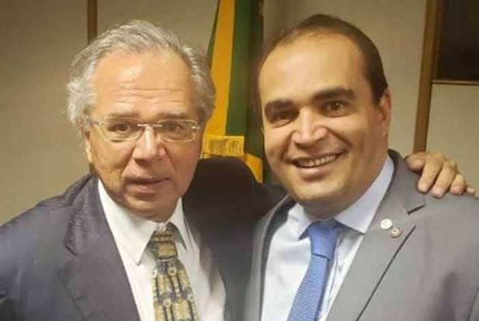 Deputado Marcelo Freitas (PSL-MG), relator da reforma da Previdência, e ministro da Economia, Paulo Guedes