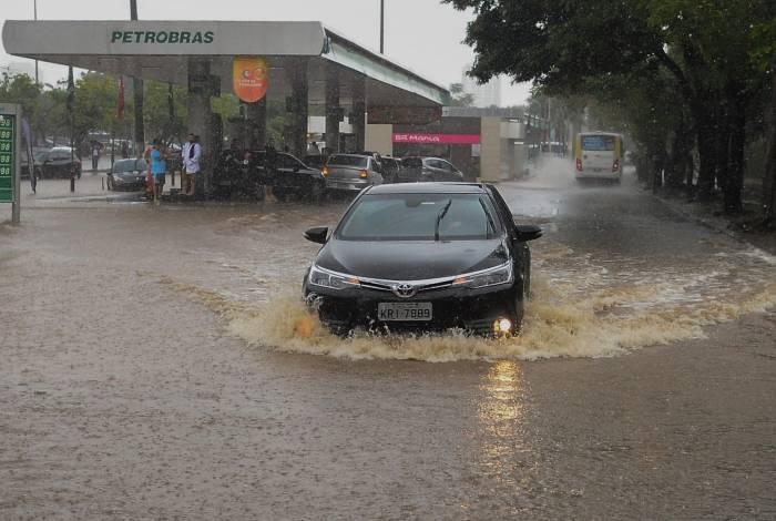 Forte chuva que atingiu a cidade do Rio de Janeiro