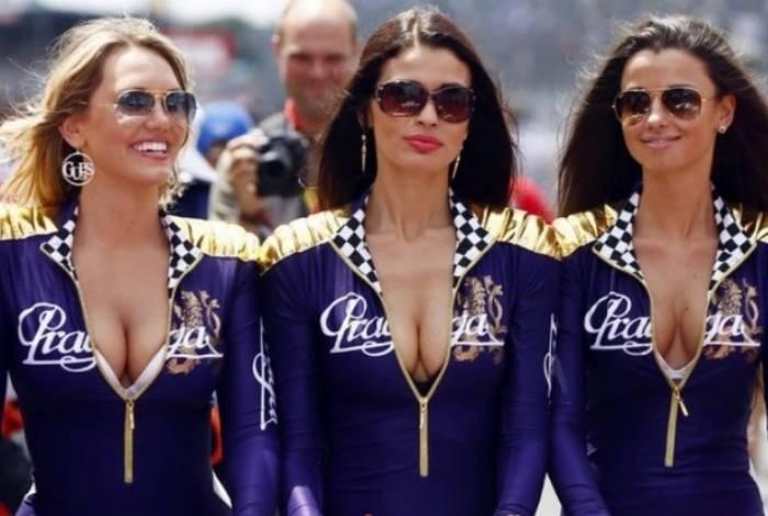 Modelos no circuito de Navarra, na Espanha