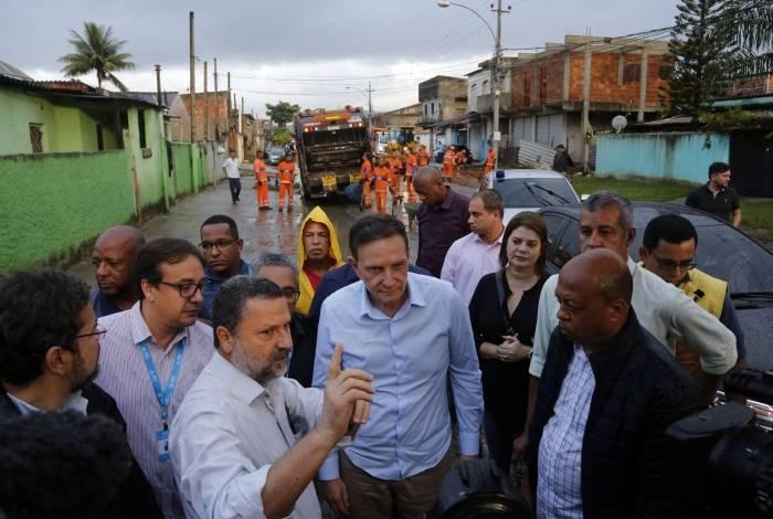 Crivella esteve em Guaratiba nesta quarta