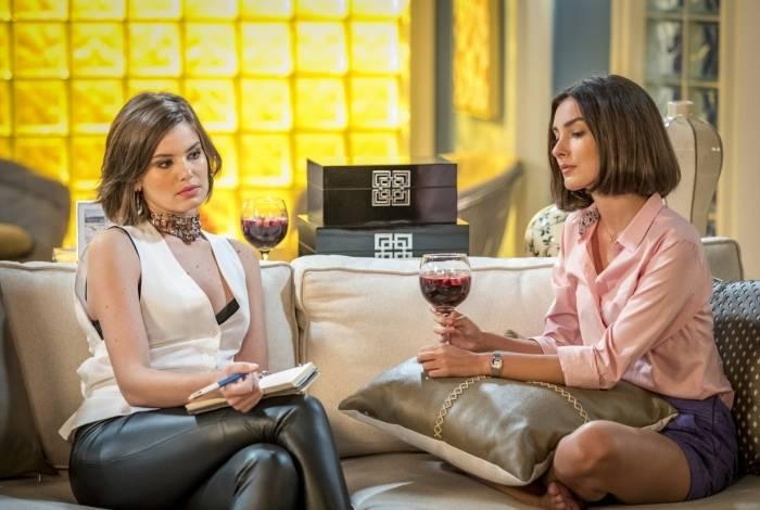 Vanessa (Camila Queiroz) sugere que Larissa (Marina Moschen) faça uma lista com qualidades e defeitos de Quinzinho (Caio Paduan) e Diego (Sergio Malheiros) para ajudar a escolher entre os dois