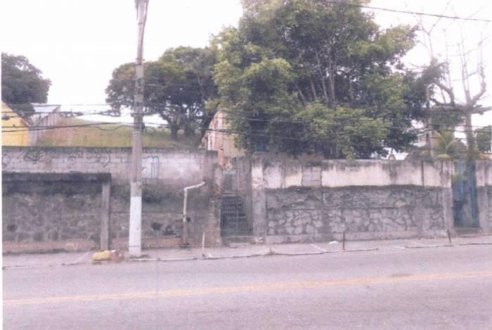 Um dos imóveis que será leiloado fica na Rua general Castrioto, em Niterói
